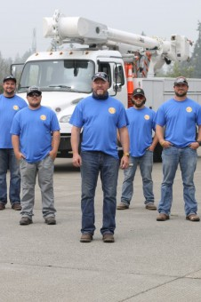 pud-3-crew-provides-mutual-aid-to-douglas-county-pud-after-pearl-hill-fire-torches-over-300-poles